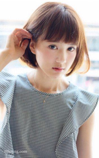 小脸女生适合的短发,发带发型可爱俏皮_流行发短发齐耳look图片