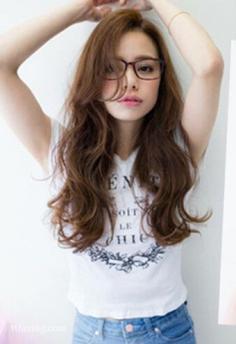 最新长发蛋卷头发型精选,减龄瘦脸兼并