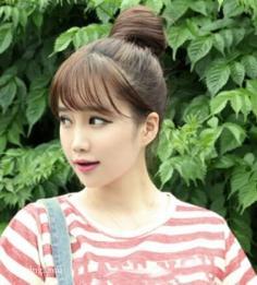 清新甜美的韩式丸子头发型图片