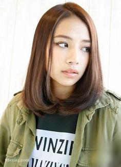 五款圆脸女生适合的发型推荐,轻松打造精致小脸