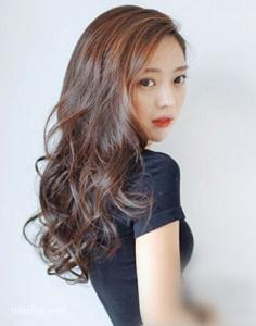 精选五款好看又修颜的韩式气质长卷发发型