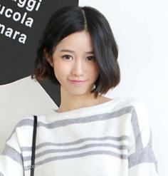 秋季短发照样流行,修颜韩式短烫发成首选