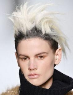 这些个性极端的男生朋克发型你敢弄吗?