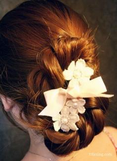 简单韩式盘发步骤图解 教你自己盘出唯美发型
