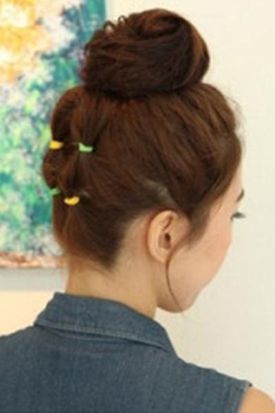 中短发丸子头怎么扎 步骤图解教程推荐_发型设