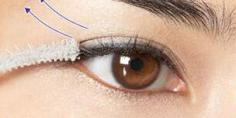 睫毛膏的正确刷法 让你眼睛又大又亮