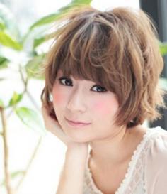 韩式短发烫发发型 金秋尽显清爽气质感
