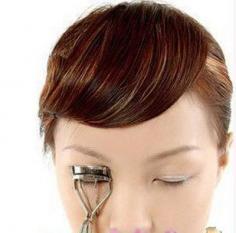 分享假睫毛的贴法图解 让你的眼睛瞬间放大无数倍