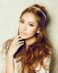 韩式卷发发型图片 让你瞬间活力复苏