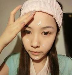 如何化妆步骤教程图解 让你一分钟变成女神