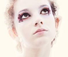 佩戴假睫毛的注意事项 假睫毛常戴伤眼睛