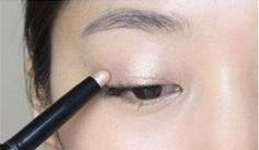 烟熏妆的画法分享 棕色渐变眼影X红唇妆