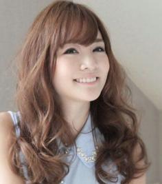 长发蛋卷头发型图片大全 甜美梦幻还能修饰脸型