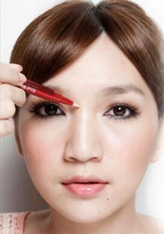 混血妆容教程图解 打造惊人立体轮廓