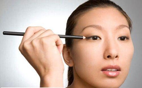 单眼皮如何画眼妆 掌握小眼睛单眼皮眼妆画法