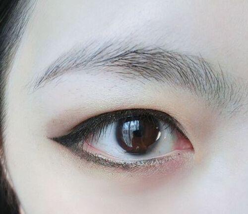 学习内双眼皮眼妆画法 让你变身电力大眼妹