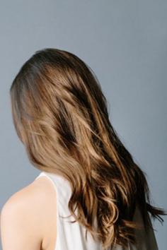 长发怎么扎好看 慵懒发辫唯美吸睛