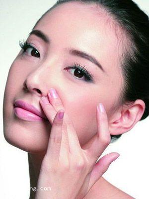 冬季敏感肌肤怎么护理 日常的基本护肤工作必须重视