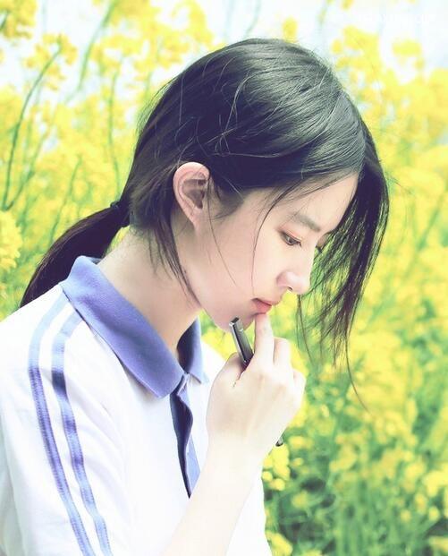 直发清纯卷发时尚,刘亦菲发型图片欣赏