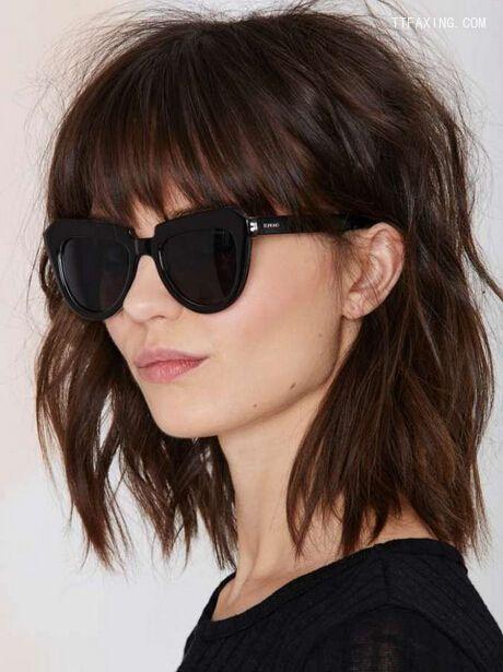 今年流行发型盘点,lob发型、侧编发均上榜