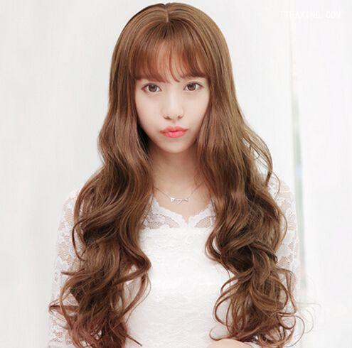 美眉演绎空气刘海发型图片一秒变嫩!