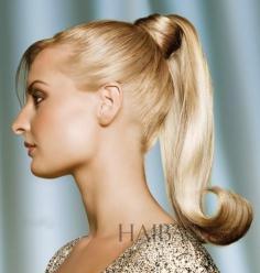 夏天最万用的发型是什么?当然马尾辫!