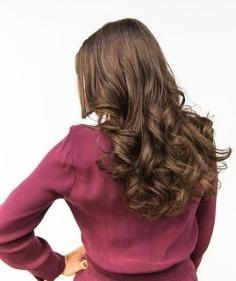 发型师卷发秘诀大公开 性感女人味一步到位