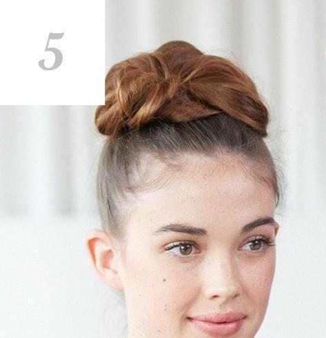 优雅简约 5步骤打造赫本式盘发