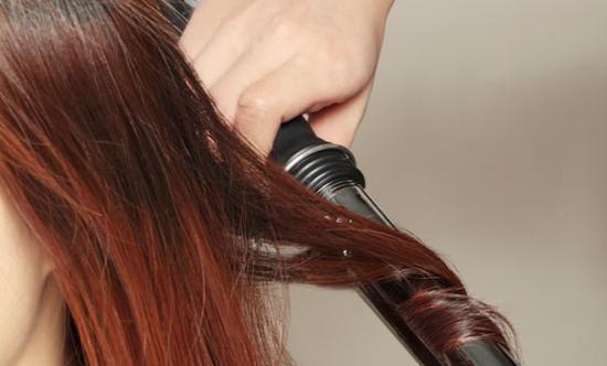 图片正确使用卷发棒_头发护理-天天要点网(tt短头发卷发什么发型好看颜色图片