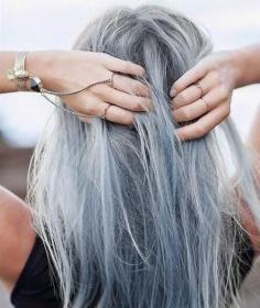 """""""五十度灰""""奶奶灰发色图片 引领时尚的的流行发色"""