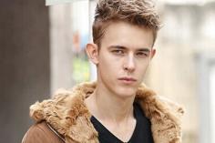 小眼睛长脸男生发型 选择属于最适合自己发型