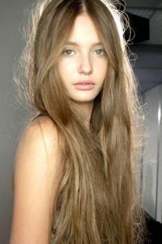 适合大学生染发的颜色 打造学生的精致发型