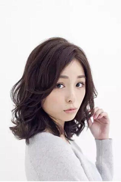 中长发发型扎法图解 打造甜美迷人的半扎发