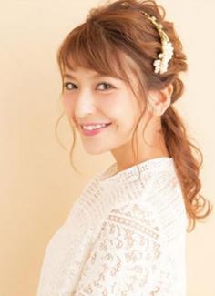 韩式低马尾发型扎法 蓬松低马尾更淑女气质