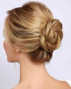 韩式花苞头发型扎法 独特花朵盘发更抢眼