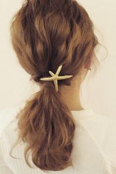 低马尾辫的各种扎发图片 展现你的无限魅力