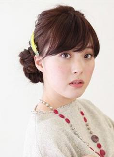 韩式淑女盘发发型步骤 打造你的淑女范