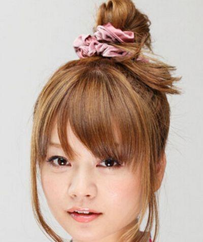 有刘海丸子头的扎法 俏皮可爱又减龄