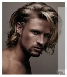 男生最新流行发型 打造优雅迷人气息