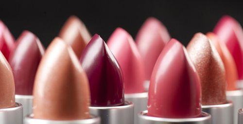 口红颜色选择技巧 如何选择口红颜色
