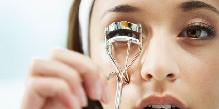 睫毛夹不翘怎么办 如何正确使用睫毛夹