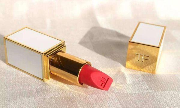 tf口红黑管和白管区别是什么 黑金黑管唇膏特点是什么