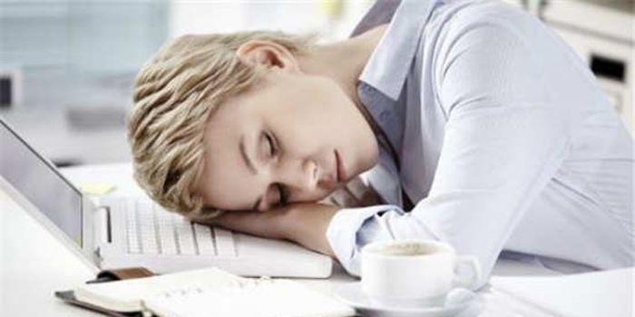 可以不卸妆睡午觉吗 午睡不卸妆的危害