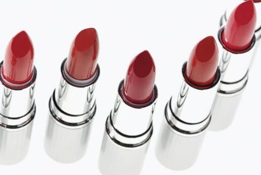 口红容易掉色怎么办 注意事项有哪些