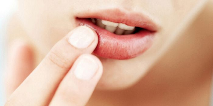 嘴唇厚怎么涂口红好看又简单 厚嘴唇的日常护理