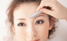 初学者怎么自己修眉毛 自己修眉毛步骤