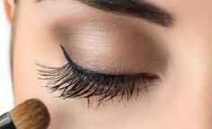一直掉睫毛是怎么回事 让睫毛变长的9种方法