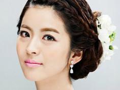 最新韩式新娘发型 经典盘发更唯美