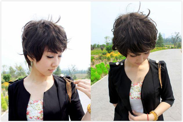 中年女士锡纸烫短发发型 时尚修颜减龄