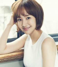 5种不同气质韩式短发烫发发型任选